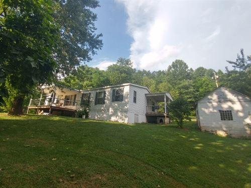 Quiet Country Home Shawsville VA : Shawsville : Montgomery County : Virginia