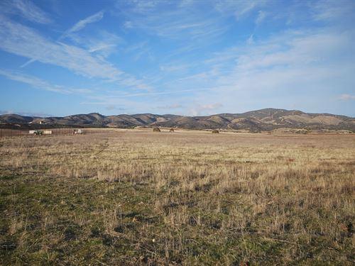 Farm Land In The San Antonio Valley : Lockwood : Monterey County : California