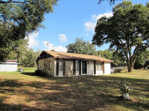 Country Chic 2Bed/1Bath Pool Home : Brooksville : Hernando County : Florida