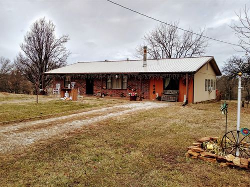 Nice Home in The Country : Clinton : Henry County : Missouri
