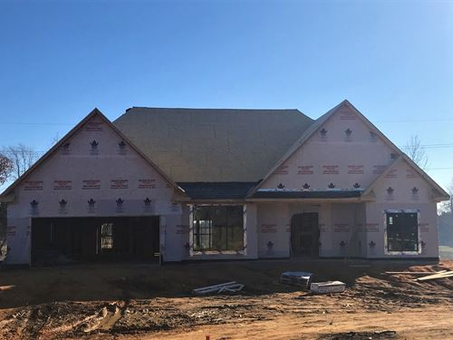 New Construction 3 Bed 2 Bath Home : Starkville : Oktibbeha County : Mississippi