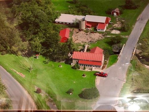 Renovated Farmhouse 4+ Acres Indian : Evans Mills : Jefferson County : New York