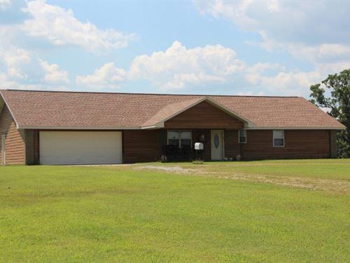 Country Home Eureka Springs : Eureka Springs : Carroll County : Arkansas