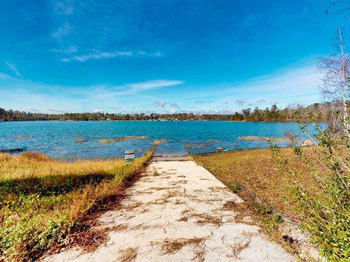 Beautiful Lake Front Home Lake : Bristol : Liberty County : Florida