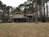 Waterfront Home With Private Boat : Pickensville : Pickens County : Alabama