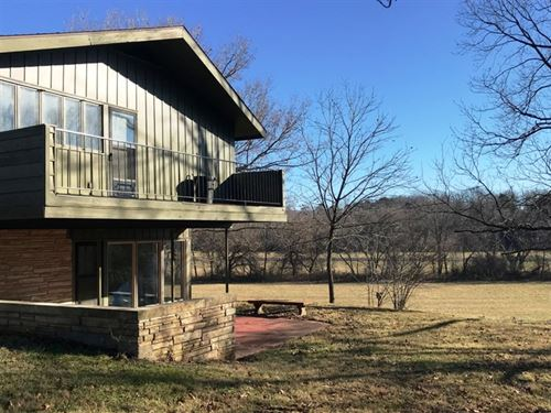 Appealing 4 Bedroom Home 14 Acres : Willow Springs : Howell County : Missouri