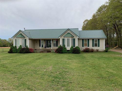 3 Bedroom Country Home Adamsville : Adamsville : Hardin County : Tennessee