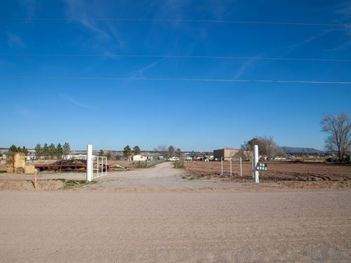 Large Metal Building Acreage South : Vado : Dona Ana County : New Mexico