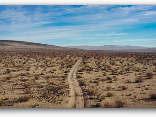 Off The Grid Mecca : Barstow : San Bernardino County : California
