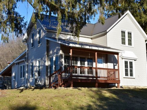 Country Home, Hunting Fishing : Richland Center : Richland County : Wisconsin