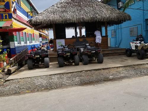 Titled Commercial Downtown Lot : Bocas Del Toro : Panama