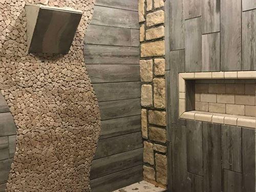 New Construction Luxury Log Cabin : Broken Bow : McCurtain County : Oklahoma