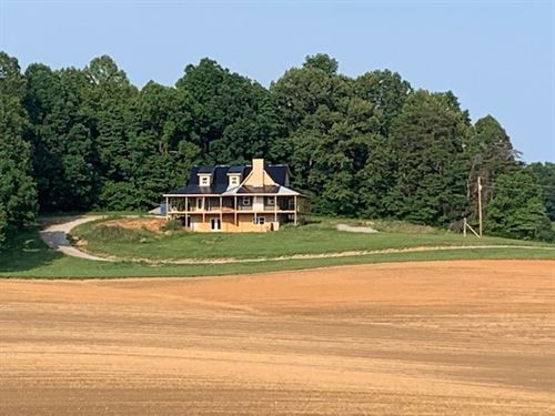 Wood Sided Home Three Acres : Burkesville : Cumberland County : Kentucky