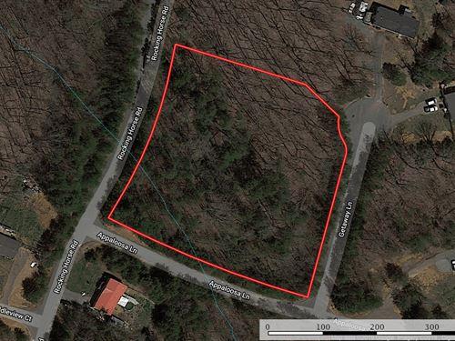 Private Corner Lot Near Maiden NC : Maiden : Catawba County : North Carolina