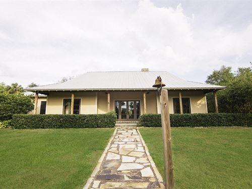 Stunning Home On 85 Acrea : Okeechobee : Florida