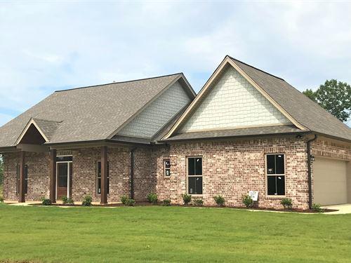 New Construction 3 Bed 2 Bath 2.67 : Starkville : Oktibbeha County : Mississippi