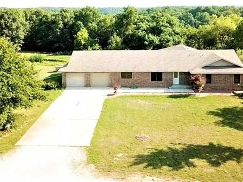Big Timber, Brick Home, Miles of : Seymour : Douglas County : Missouri