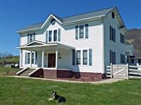 Beautiful Spacious Farm House : Tazewell : Tazewell County : Virginia