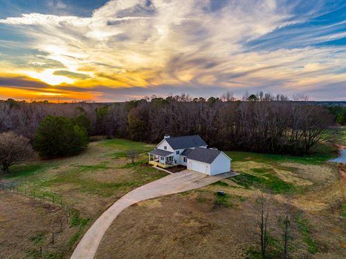 Remodeled Farm House On 25+ Acres : Madison : Morgan County : Georgia