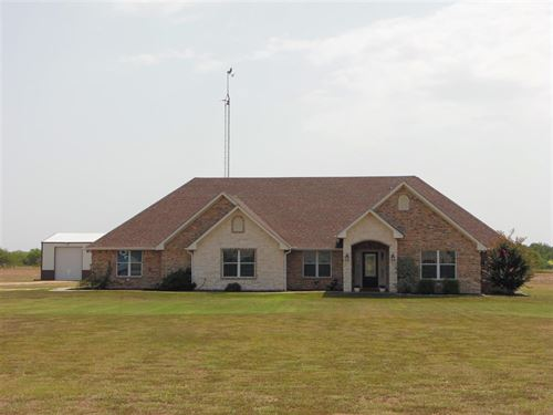 Home On 10 Acres With Shop : Honey Grove : Lamar County : Texas