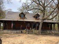 Log Cabin Country Home Property : Blossom : Lamar County : Texas