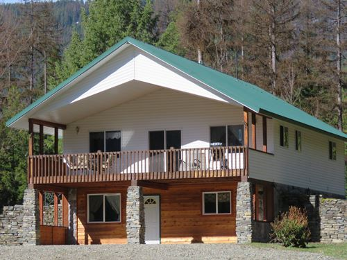 Private, Peaceful Horse Ranch : Troy : Lincoln County : Montana