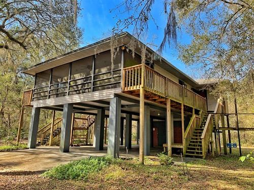 Suwannee River Waterfront Home, Old : Old Town : Dixie County : Florida