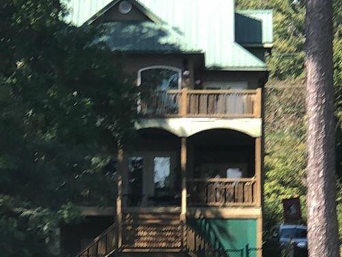 Beautiful Home On Lake Sinclair : Milledgeville : Baldwin County : Georgia