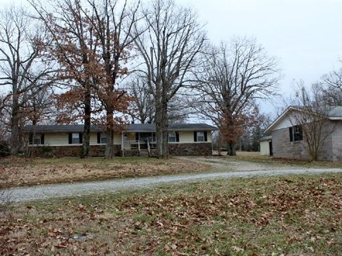 Four Bedroom Home Mountain View : Mountain View : Stone County : Arkansas