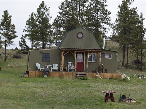 Crazy Horse Cabin : Mosby : Garfield County : Montana