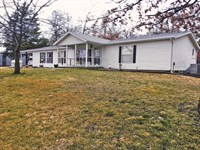 Country Home And Secluded Acreage : Wentworth : Newton County : Missouri