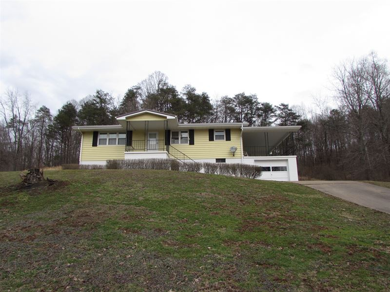 Ranch Style Home Located In Ritchie : Pennsboro : Ritchie County : West Virginia