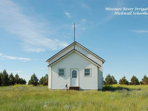Charming Old Nickwall Schoolhouse : Wolf Point : McCone County : Montana