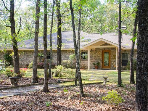 East Texas Country Home Acreage : Hawkins : Wood County : Texas