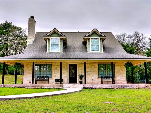 Quaint Home And 10 Acres : Gause : Milam County : Texas