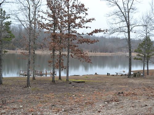 Beautiful Home On Private Lake : West Plains : Howell County : Missouri