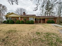 92.60 Ac, Brick Hm, Polebarn, Pond : Celina : Clay County : Tennessee