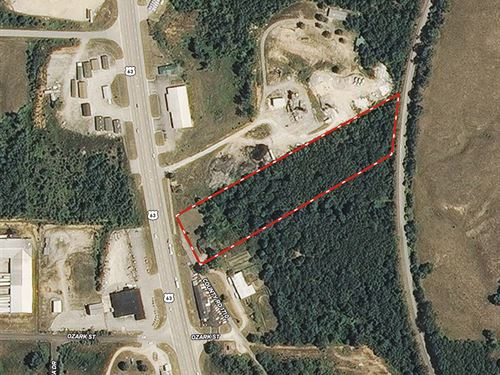 Acreage With Us Highway Frontage : West Plains : Howell County : Missouri