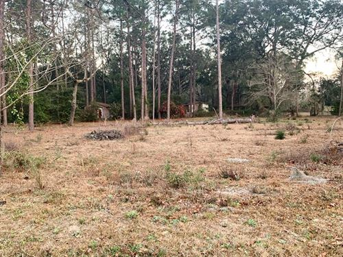 5.69 Acres, 2 Wells, 3 Septics : Jesup : Wayne County : Georgia