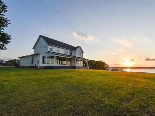 Waterfront Farmhouse Lake Palestine : Frankston : Henderson County : Texas