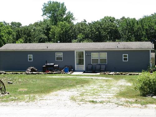 Country Living Second Tier Lake : Altamont : Daviess County : Missouri