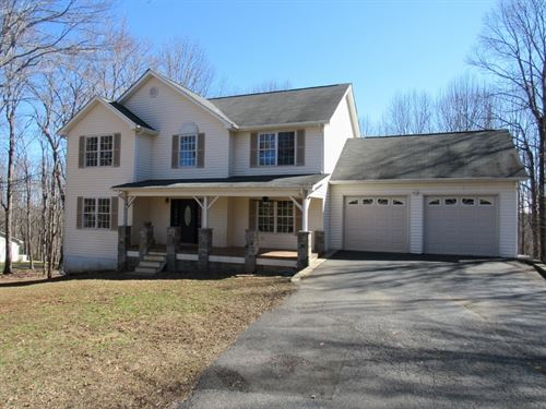 Large Home in Town in Floyd VA : Floyd : Virginia