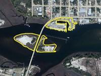 Moorings Marina : Carrabelle : Franklin County : Florida