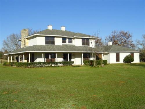 East Texas Country Home & Acreage : Jacksonville : Cherokee County : Texas