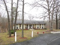 Beautiful Ranch Style Home Close to : West Plains : Howell County : Missouri