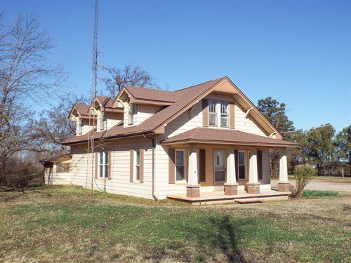 Home & 20 Acres, 140 Acres : Waukomis : Garfield County : Oklahoma