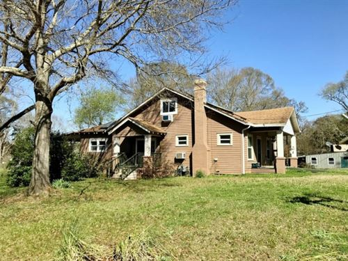 3 Bed, 1.5 Bath Bungalow Near Town : Summit : Pike County : Mississippi