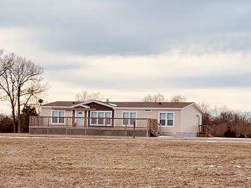 Home, Air Hangar, Acreage Missouri : Greenfield : Dade County : Missouri