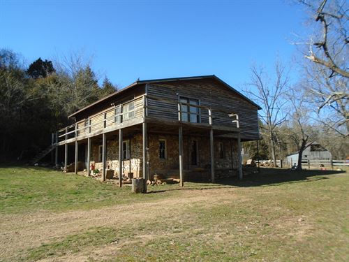 Missouri Hunting Lodge On 125 Acres : Des Arc : Maries County : Missouri