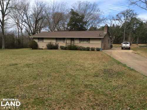 Farmhouse With 65 Acres : Crystal Springs : Hinds County : Mississippi